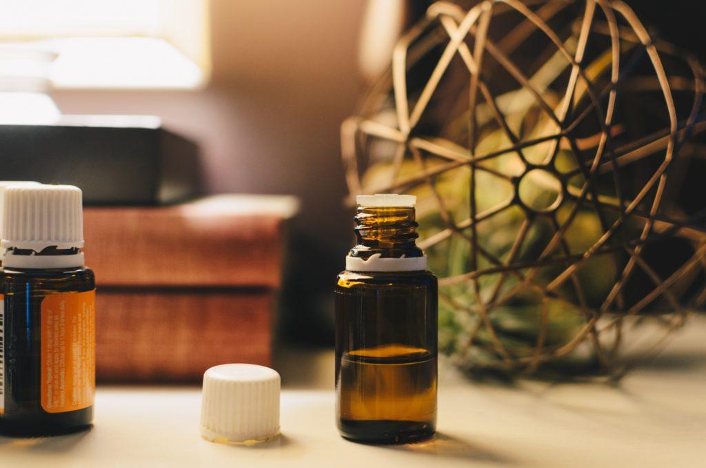 Huiles-essentielles-massage-bien-être